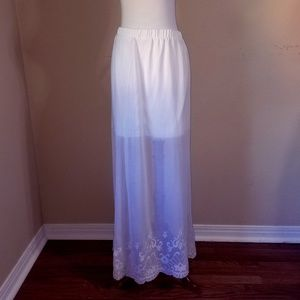 Candie's Long Skirt White Lace Trimmed Large